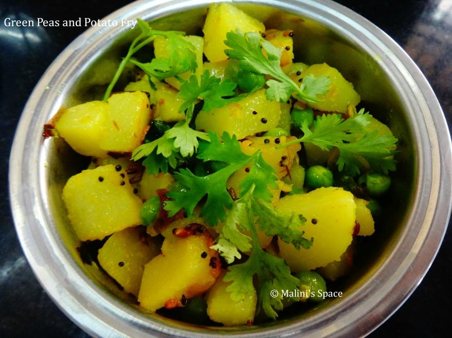 Green Peas Potato Fry recipe
