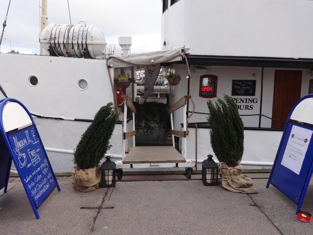Market Square Boat Restuarant