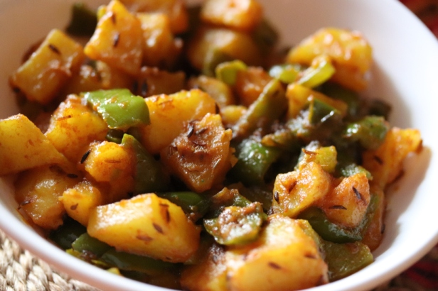 Aloo Shimla Mirch ki Sabzi (No Onion & No Garlic)