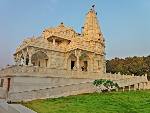 Parshwanath temple - Main Entrance