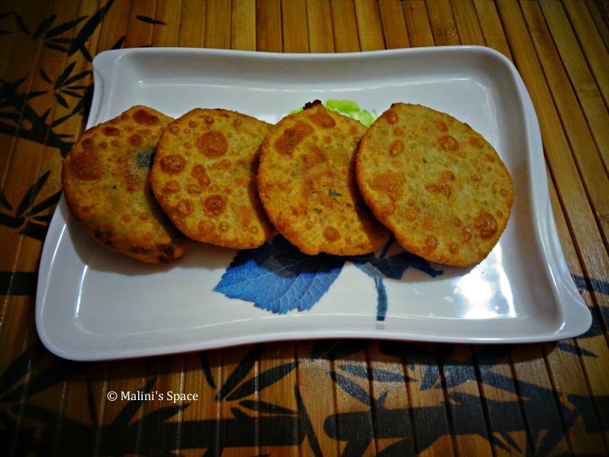 Stuffed Poori (Potato & Peas Stuffing)