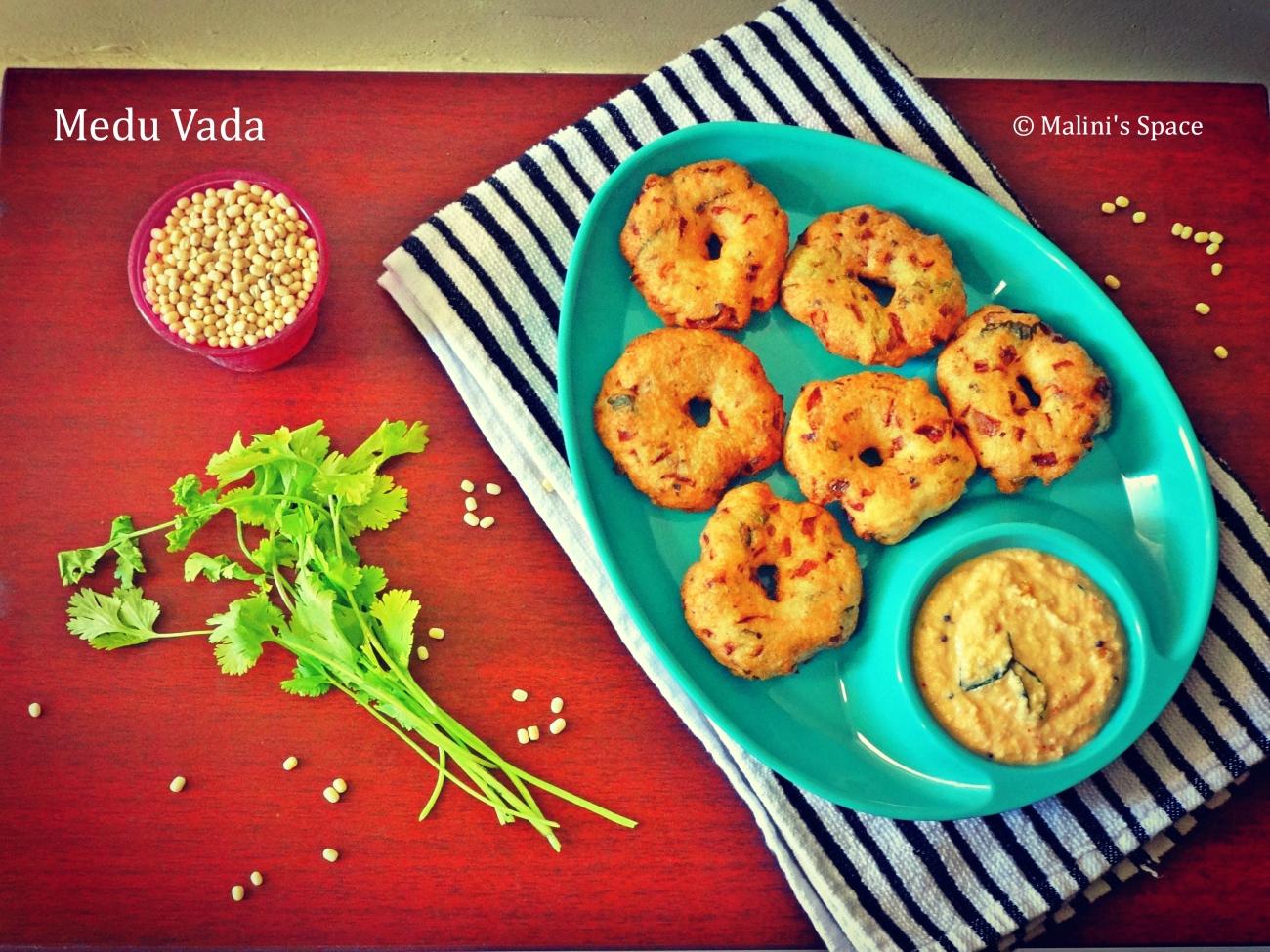 Medu Vada | Uzhundhu Vadai Recipe