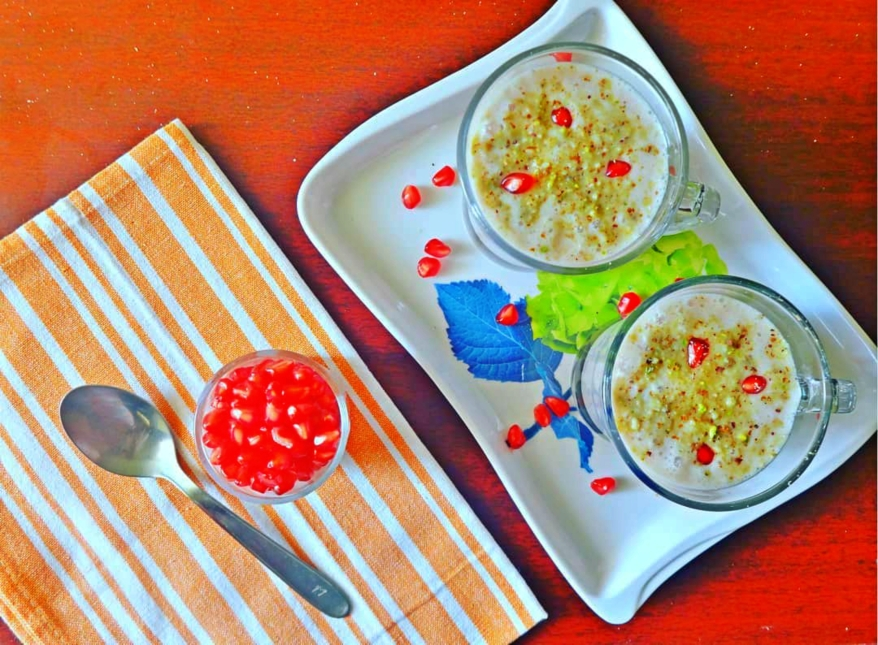 Pomegranate Lassi | Pomegranate and Yogurt Smoothie Recipe